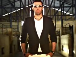 Amir-Mandani---Ba-To-Mikhandam-video