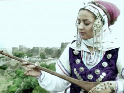 Yalda-Abbasi---Le-Yare-video