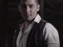 Ashkan-Shams---Donya-To-Dastame-video
